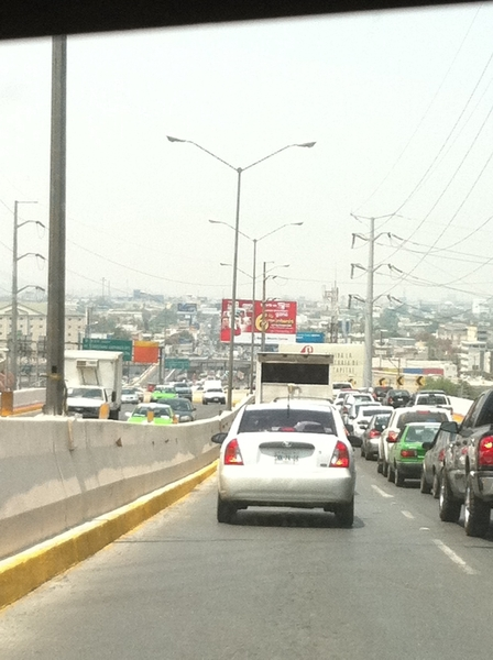 @TrackMty trfico lento en el tunel, de sur a norte
