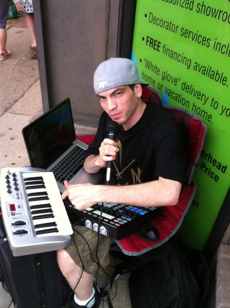 Live, First Friday #Philly W/ @greenhiphop kick some mad beats. Livefromthestreets.com  @dr_fallenii