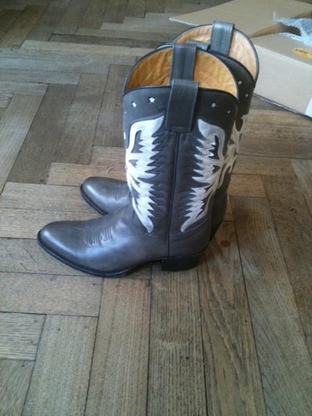 Mijn nieuwe cowboylaarzen zij