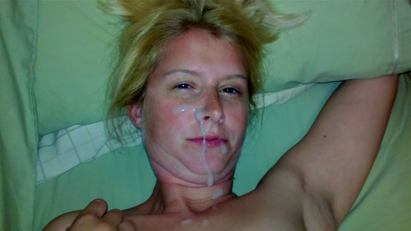 Rough hard sex leads to a nice warm facial