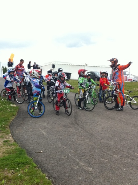 De troste winnaars van de BMX clinic, gegeven door de Nationale Selectie! #bmxfandag @Papendal. #knwu 