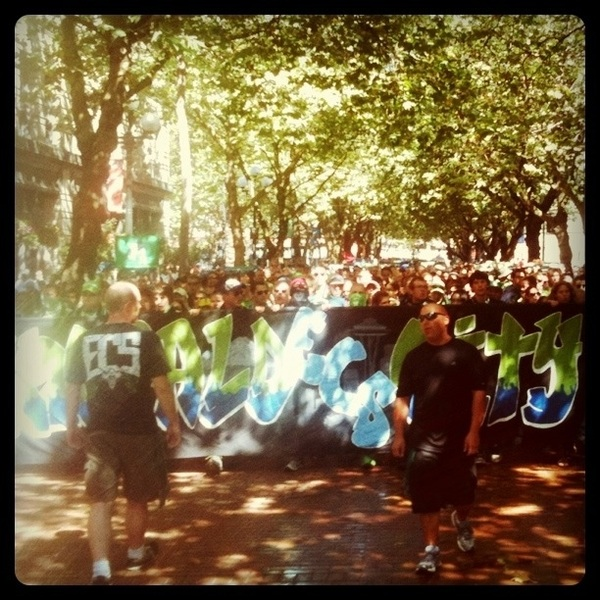 March to the match!  #ScavesUP #EBFG #ECS #Sounders