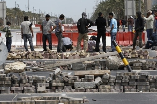 "#UK we know how you're feeling, we've been through it! #UKriots #BBC @TheIndyNews  Pic6 of #Bahrain ""protests"""