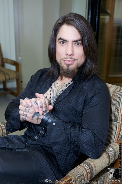 Chillaxing back stage @DaveNavarro @xbizaward @XBIZ