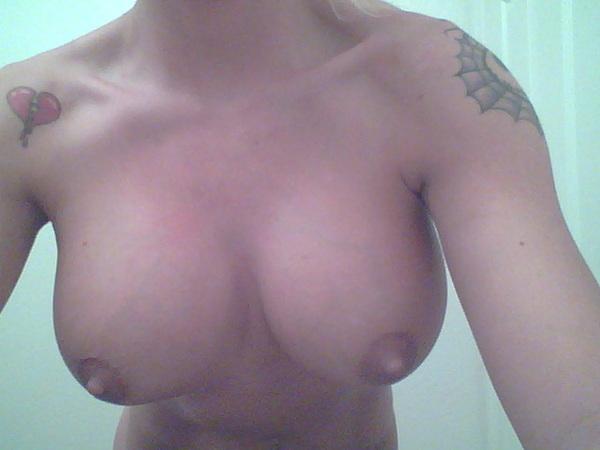 #tittytuesday @fboobies @_vipmod