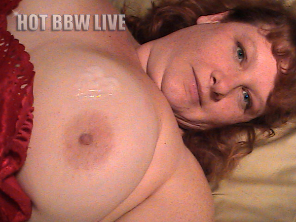 This ones for all the BBW lover our there! @Erika_Red_BBW is the Sexy Lady