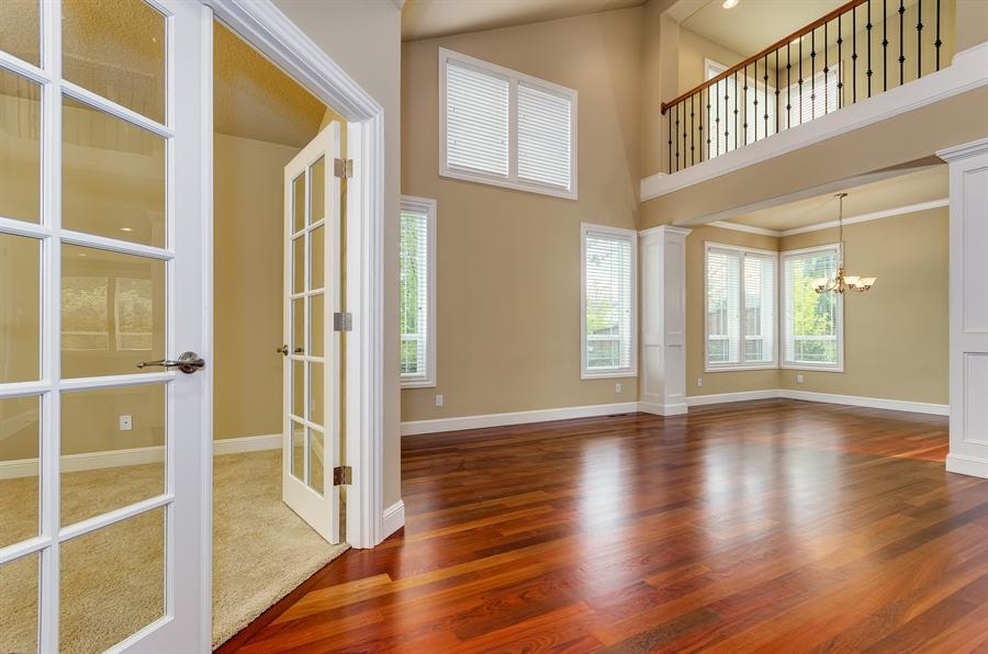 Buyright carpet in home of vancouver hardwood flooring for Hardwood floors vancouver wa