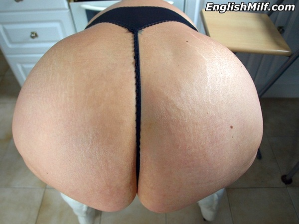 big ass milf in thong