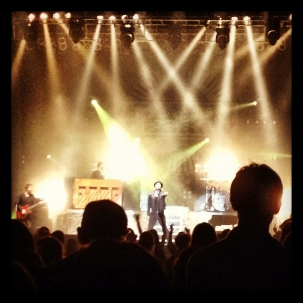 Watching the bad-ass himself... @GavinDeGraw  His voice is incredible! What a great show!!!