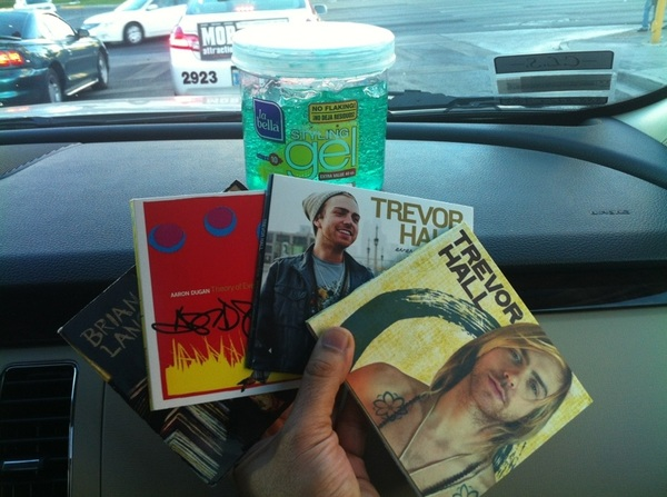 @trevorhallmusic this is all @andyjinkim brought... BIG plans in Vegas. #OnlyTheEssentials