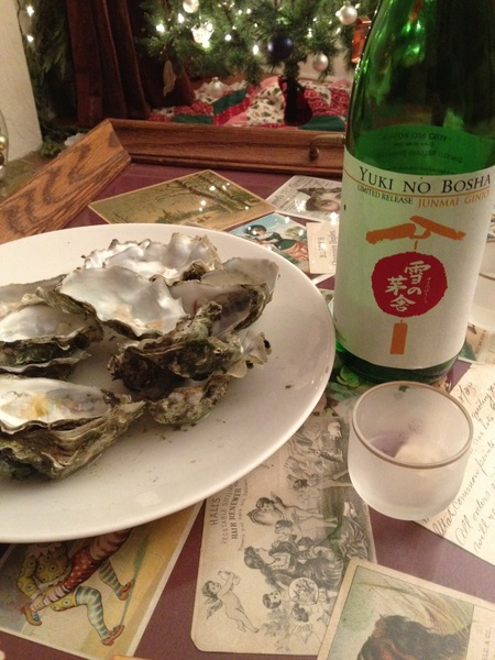 Part of the damage of X-Mass eve dinner with  @Binkertje. This sake was amazing with the oysters.