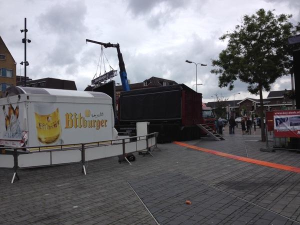 Haha, als je #neddui gaat kijken in Roermond moet je D
