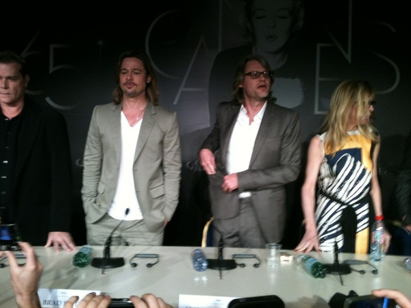 Persconferentie Andrew Dominiks Killing them softly met Brad Pitt (dezelfde kapper?) #Cannes2012