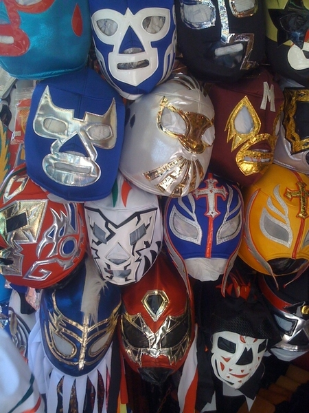So  @lightsoverparis think this where @TallMysterio shops for masks?