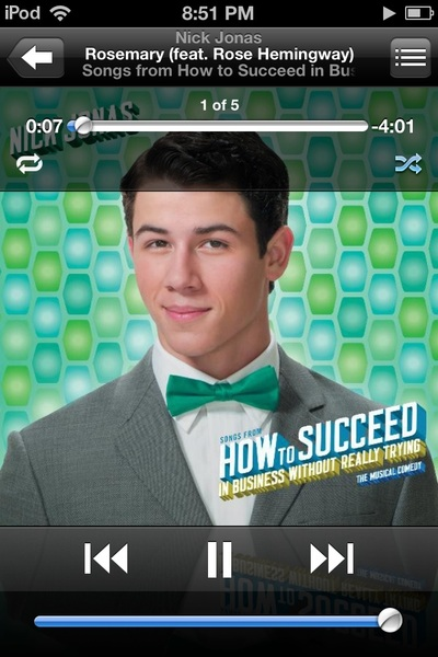 Guess what came on shuffle on my IPod (crying oh no)