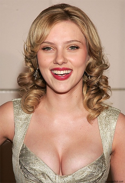 scarlett-johansson-#cleavage #jessicatilia #boobs #twitterafterdark