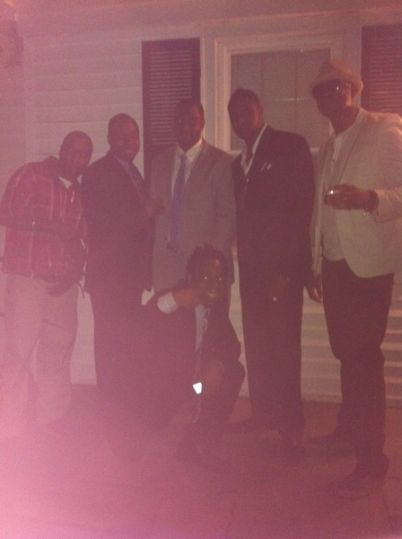 I knw it's not clear but Thas me next to my lil bro RT @Suk_my_pink @2FLaSHi4DPLaNeT hope you had fun then....