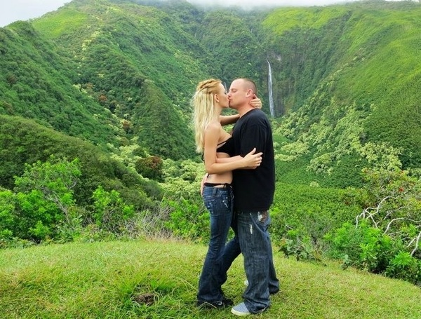 in Paradise with the man of my dreams❤ I #love you baybay @therealchaz❤❤ #HappyValentinesDay #Maui #Hawaii #Hana